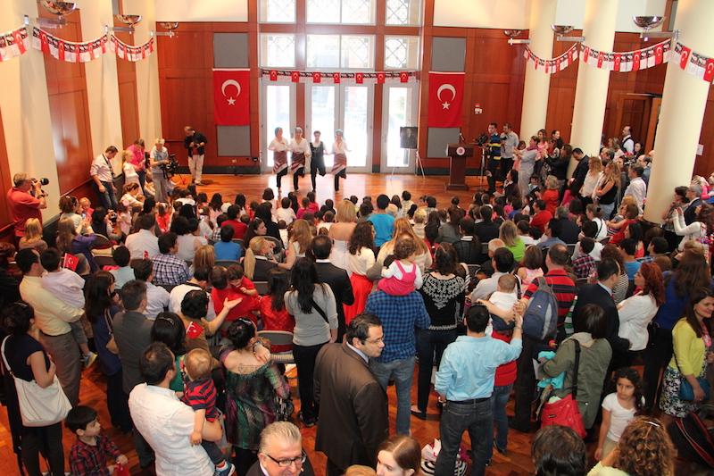 23 Nisan 2014 Celebration at the Turkish Embassy