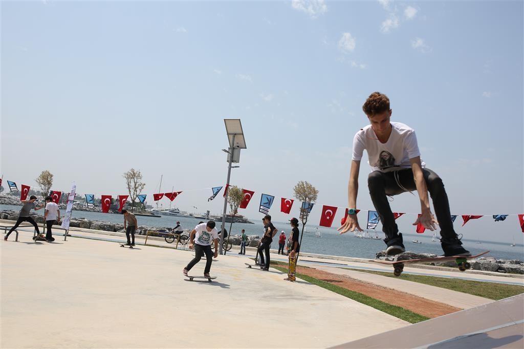19 Mayıs Gençlik ve Spor Bayramı Kadıköy'de coşkuyla kutlandı.